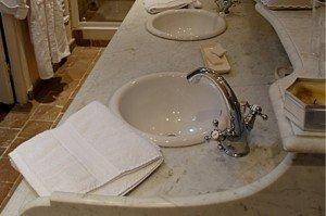 Chambre d'hôtes Un ange passe vue de la salle de bain