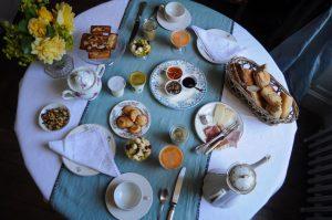 Vue des gourmandises servies au petit déjeuner